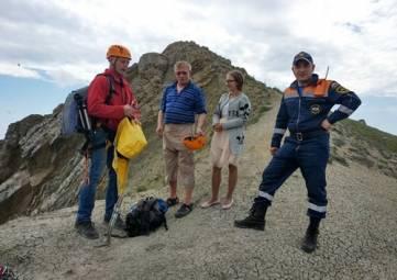 Спасли туристок в районе горы Седло