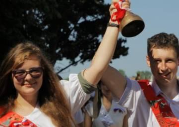 Последний звонок прозвенел для 28 тысяч крымских старшеклассников