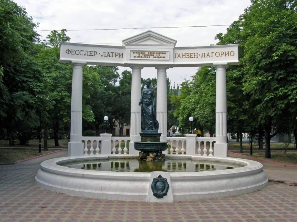 К Дню города в Феодосии обещают запустить фонтаны, которые сейчас ремонтируют.