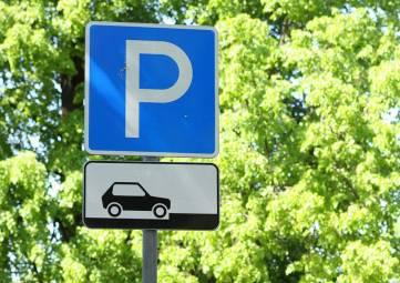 Ялтинские власти заинтересовались перспективами организации парковок с бесконтактной оплатой