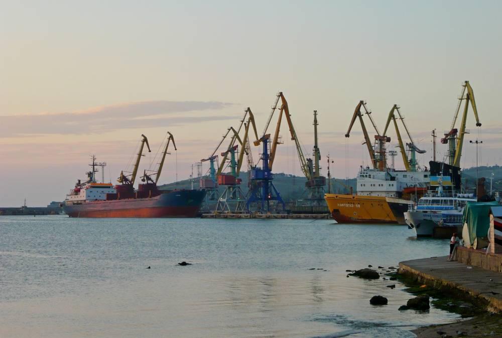 Депутаты против перевалки цемента в Феодосии