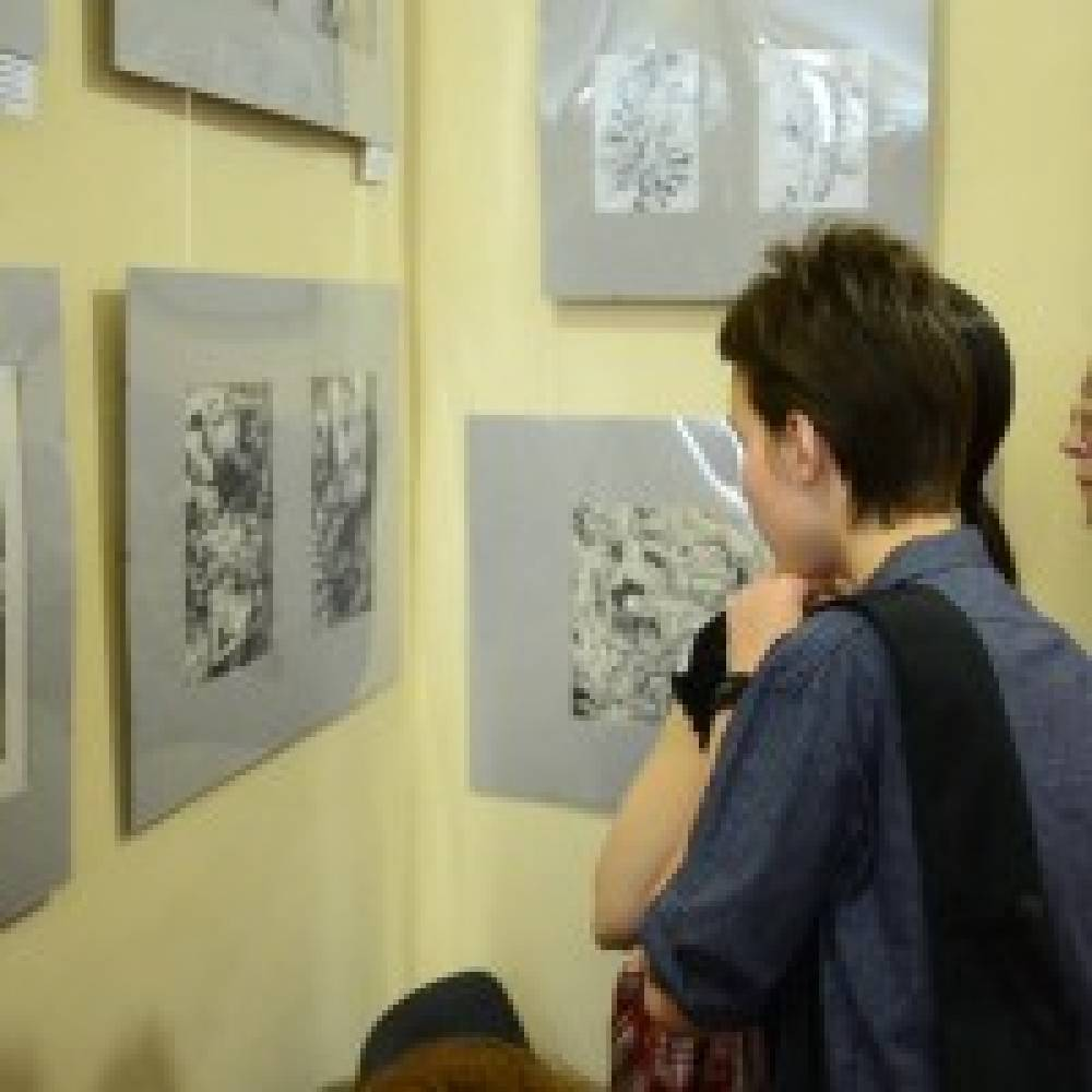 В музее древностей открыта выставка работ Александра Худченко