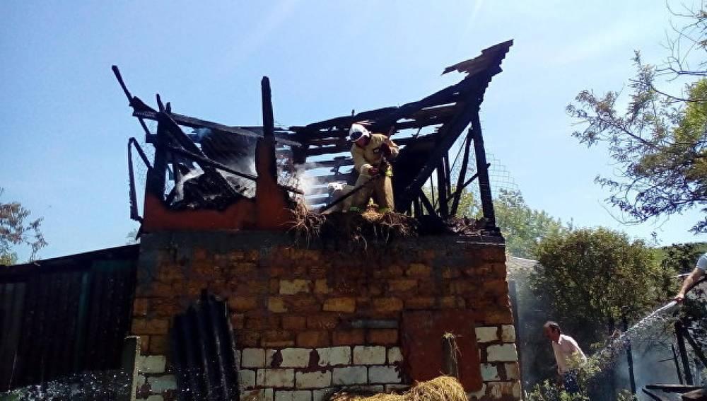 Пожары в Крыму: горели вагончик, дача и хозпостройки