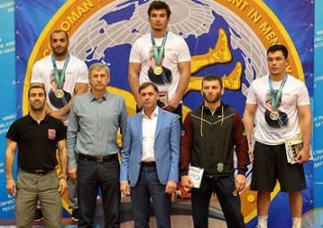 Алуштинец выиграл международный турнир по греко-римской борьбе в Дагестане