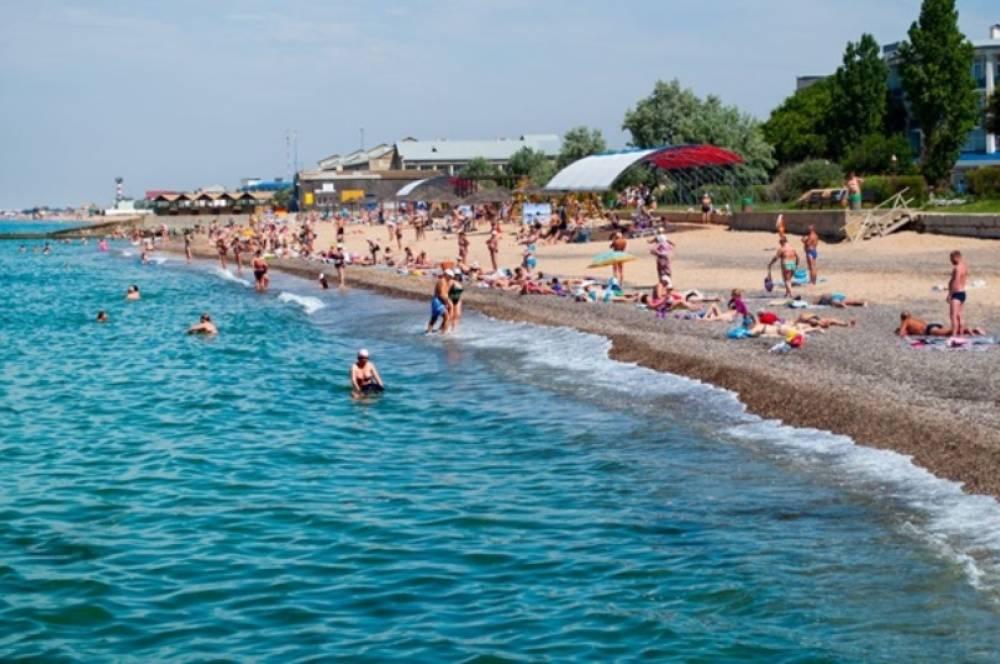 Центр гигиены и эпидемиологии разрешил купаться в море на крымских пляжах