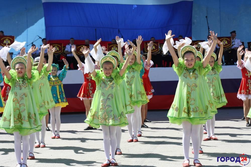 Феодосийцы отмечают День России