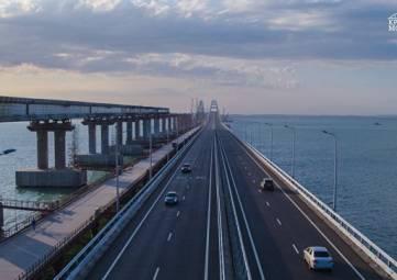 Более 70 тыс авто проехало по Крымскому мосту за выходные