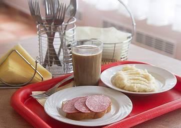 В Крыму 116 тыс. школьников получают бесплатные завтраки