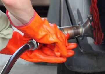 Газ на крымских АЗС появился и сразу подорожал