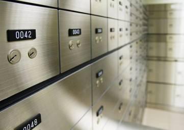 СМИ сообщили о пропаже 1,5 млн долларов из банка в Ялте