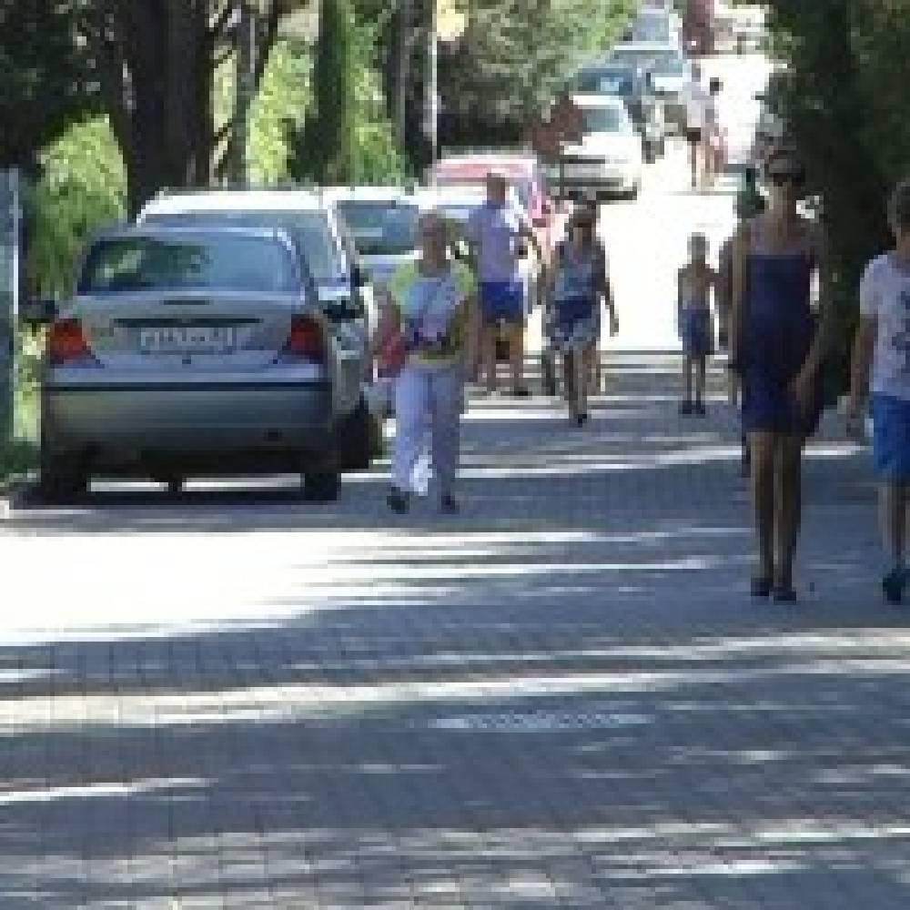 Пешеходная зона в районе особняка Стамболи превратилась в оживленную проезжую часть