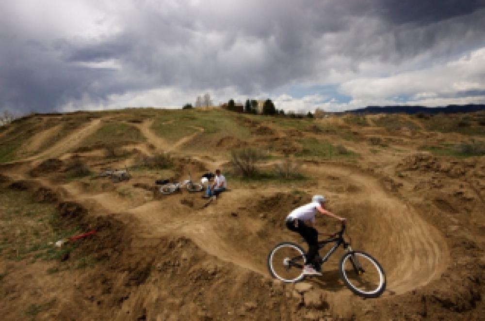 Жителей города и неравнодушных к велоспорту просят помочь в строительстве памп-трека