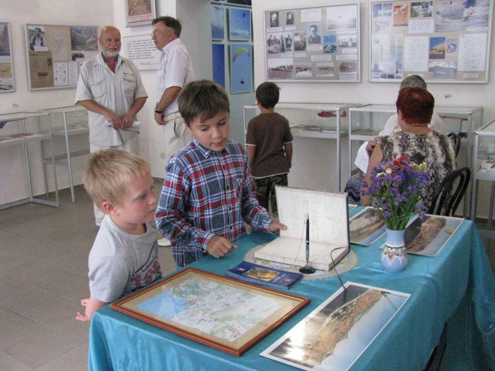 Музею свободного полёта было присвоено имя прославленного лётчика