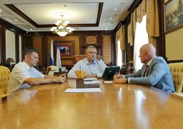 Аксенов поручил наказать глав администраций