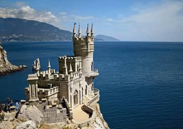 Звезды европейской и российской сцены выступят в крымских южнобережных дворцах в бархатный сезон