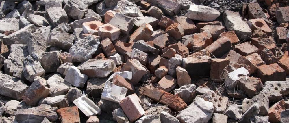 В Симферополе 5 компаниям разрешено вывозить крупногабаритный мусор