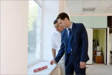 Глава администрации Дмитрий Щепетков продолжает проверку готовности школ к началу учебного года