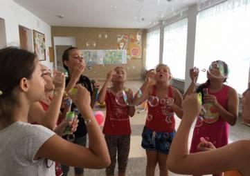 В Веселом устроили «Праздник мыльных пузырей»