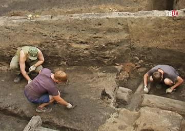 Под Керчью потревожили древний курган