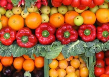 В Крыму подорожали огурцы и подешевели помидоры
