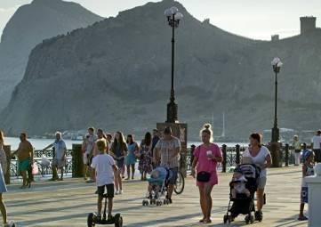 На отдых в Крым: в АТОР назвали самые доступные для россиян курорты