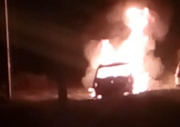 В Севастополе на Сапун-горе взорвалась подожженная машина