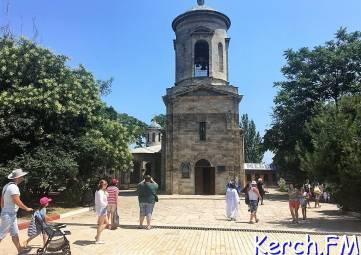 Керчь вошла в ТОП-10 самых недорогих мест Крыма для отдыха в августе