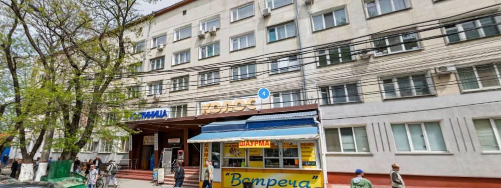 Жильцов общежития, расположенного в самом центре Симферополя, выгоняют на улицу