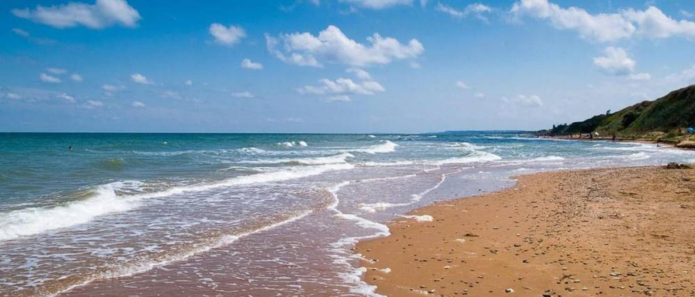 Отдыхающим в Крыму посоветовали не купаться в море после дождя