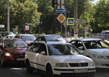 Минобороны поставит на воинский учет легковые авто россиян