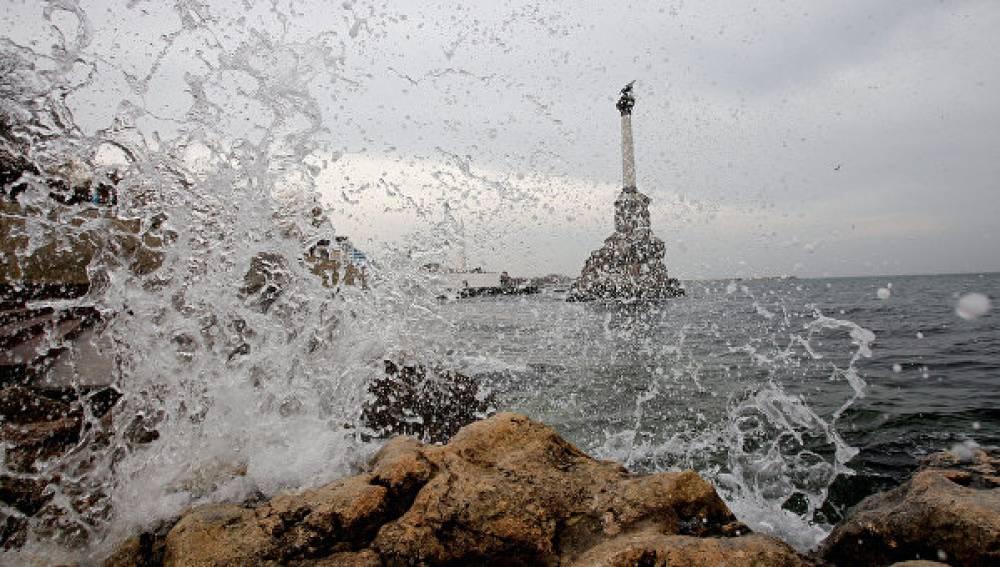 В Крыму обследуют затопленные корабли в Черном море