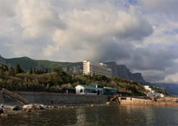 Депутат Госдумы призвал обеспечить постоянное присутствие полиции в курортном поселке Форос