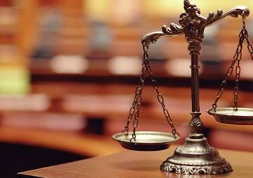 Бывшие полицейские из Алушты предстанут перед судом за взятку