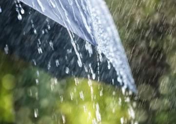 Стихия не отступает: в начале рабочей недели в Крыму будет дождливо
