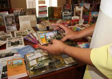 Феодосийцы подарили 700 книг Приднестровью