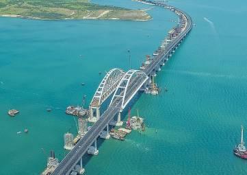 Медведев: Крымский мост- «самая лучшая коммуникация»