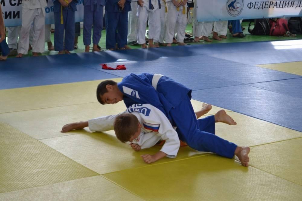 В Феодосии стартовал традиционный турнир по дзюдо, посвященный памяти В. Шайдерова (фото, видео)