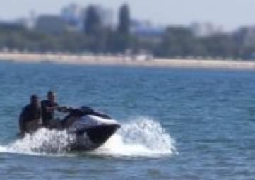 За сутки в Крыму на воде спасено 7 человек