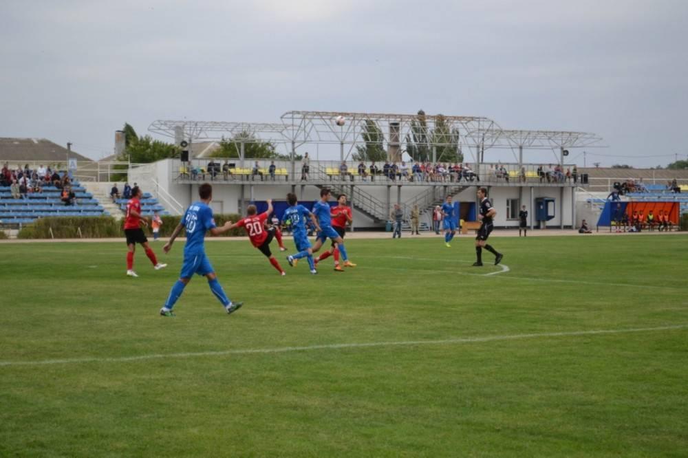 В Феодосии состоялась очередная футбольная игра в рамках КФС (ФОТО)