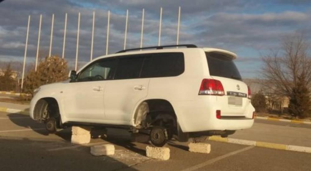 Кирпичи вместо колес