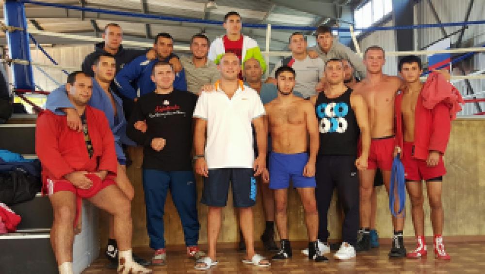 Феодосийские борцы заняли четыре призовых места на Кубке Крыма по боевому и спортивному самбо