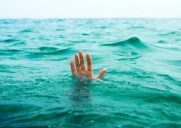 На пляже в Алуште нашли труп мужчины