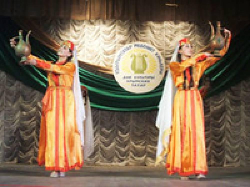 На базе феодосийского ДК планируют создавать различные национальные коллективы