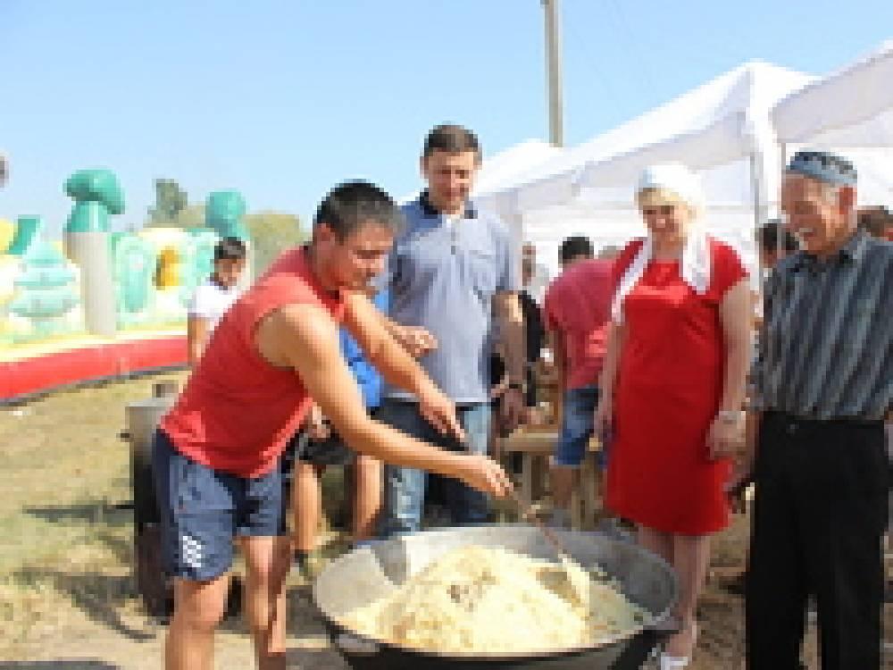 В Феодосии прошли народные гуляния по случаю Курбан-байрам