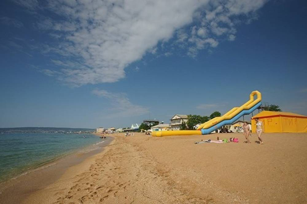 Два крымских пляжа стали лучшими в стране