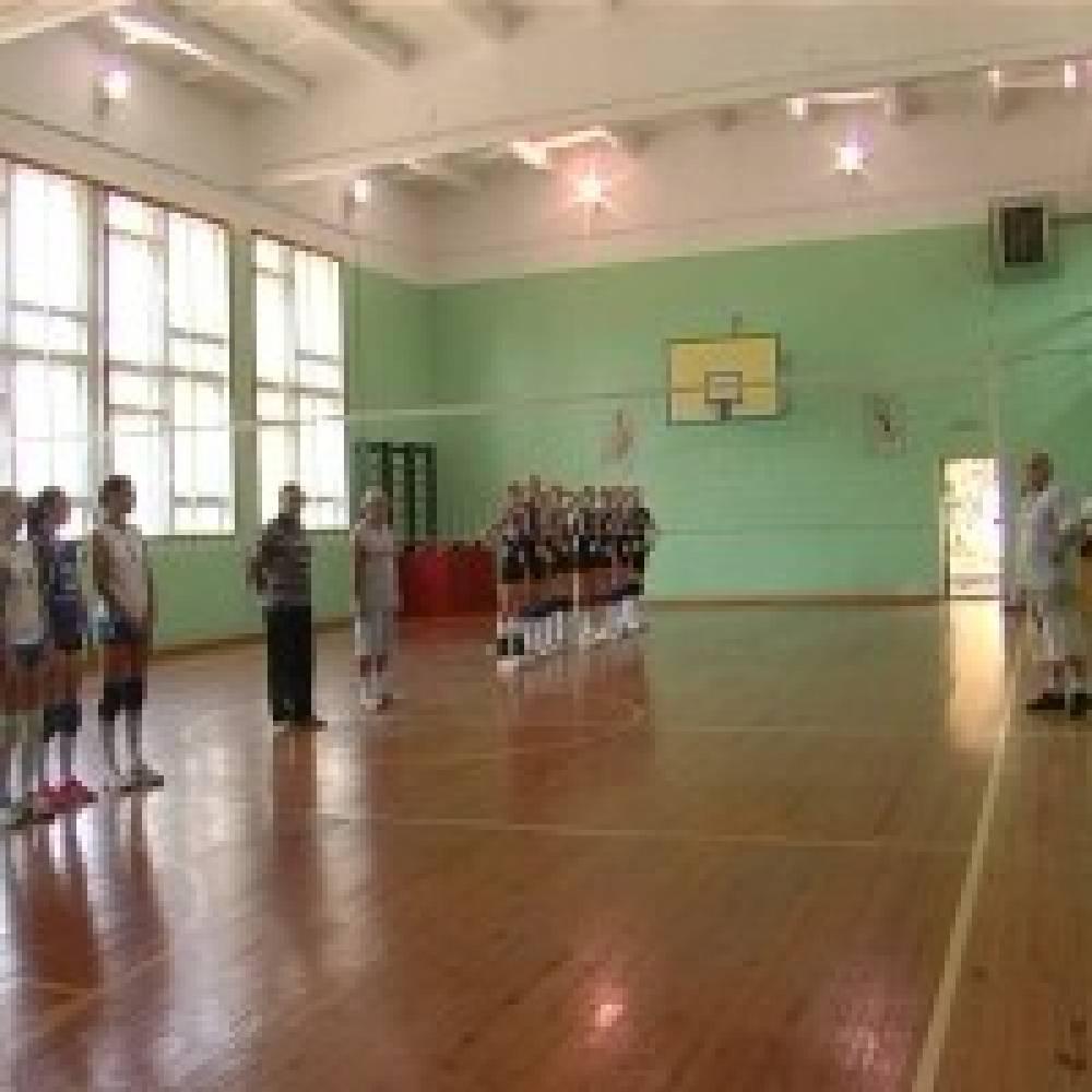 В Береговом лучшие женские команды Крыма сыграли в волейбол