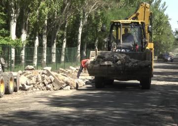К началу сентября дорожники должны завершить реконструкцию участка трассы Граница с Украиной — Джанкой-Феодосия-Керчь в пределах города