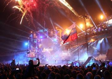 Праздник музыки, пиротехники и спорта: в Севастополе началось байк-шоу