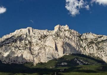 Поисковая операция: в горах Крыма искали туристку из Ярославской области