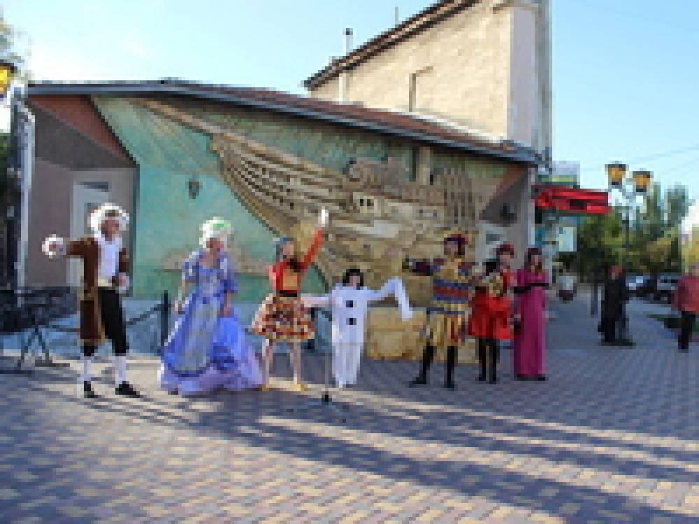В Феодосии официально открылся 23 театральный сезон